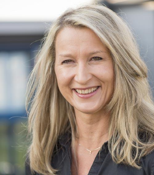 Simone Mehnert, Auftragsabwicklung / Schlosserei, Bauer Tore Team