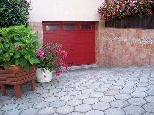 Referenz Garageneinfahrt Garagentor