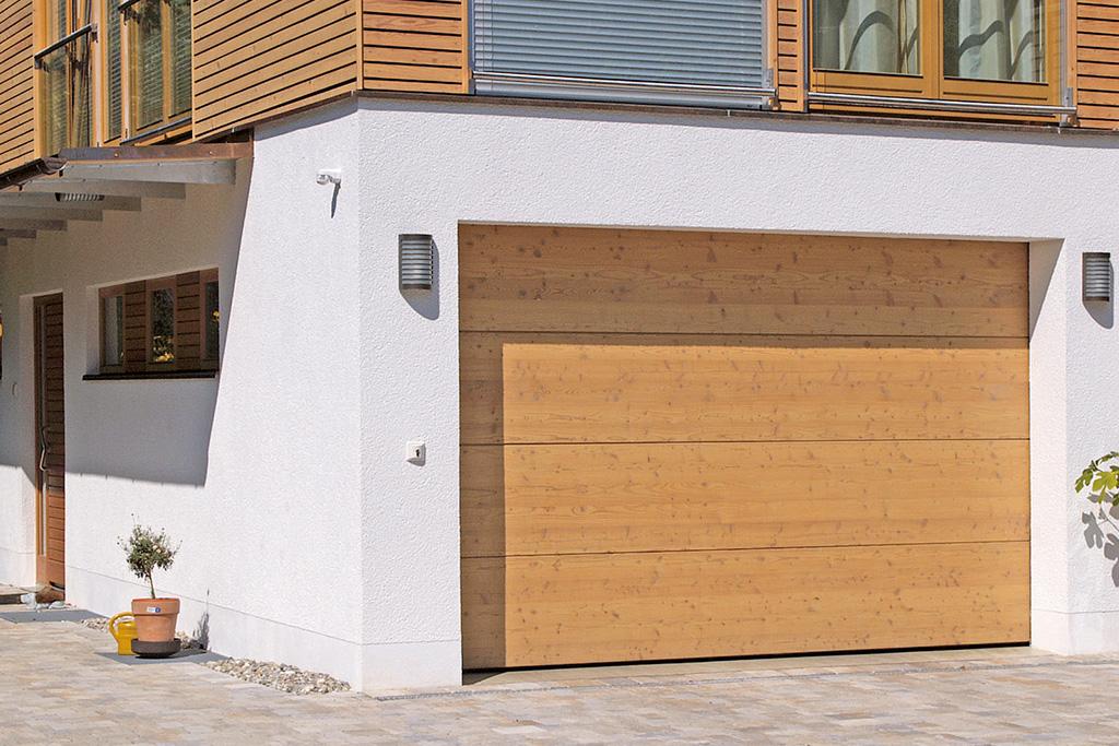 Bauer Tore Sektionaltor für die Garage, Holz