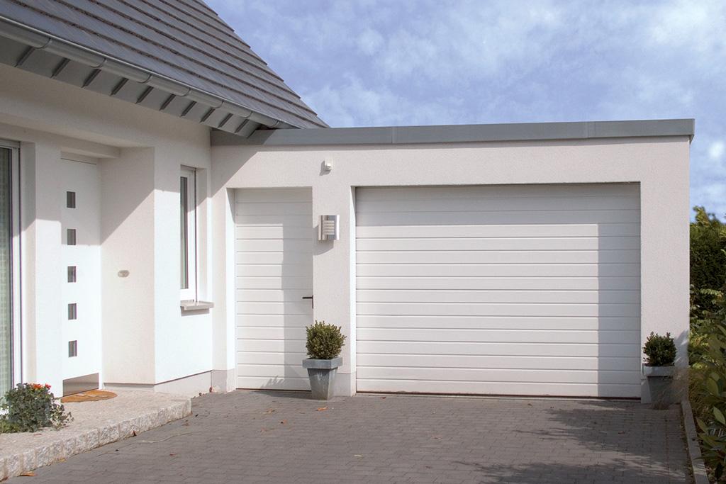Bauer Garagen-Sektionaltor mit Nebentür