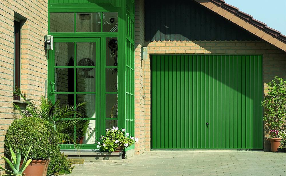 Bauer Garagentor Schwingtor grün