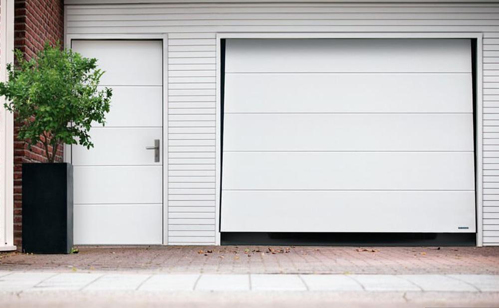 Bauer Tore – Nebentür für die Garage in Weiß
