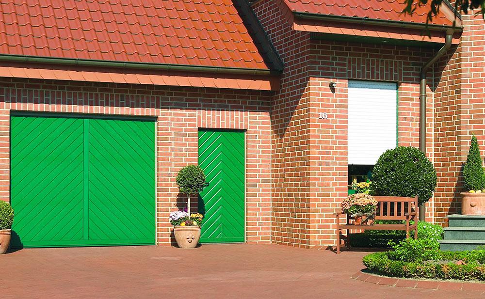 Bauer Tore – Nebentür aus Holz für die Garage